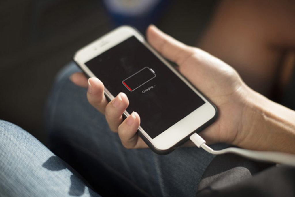 Charging the phone battery at normal temperature- TechMobi