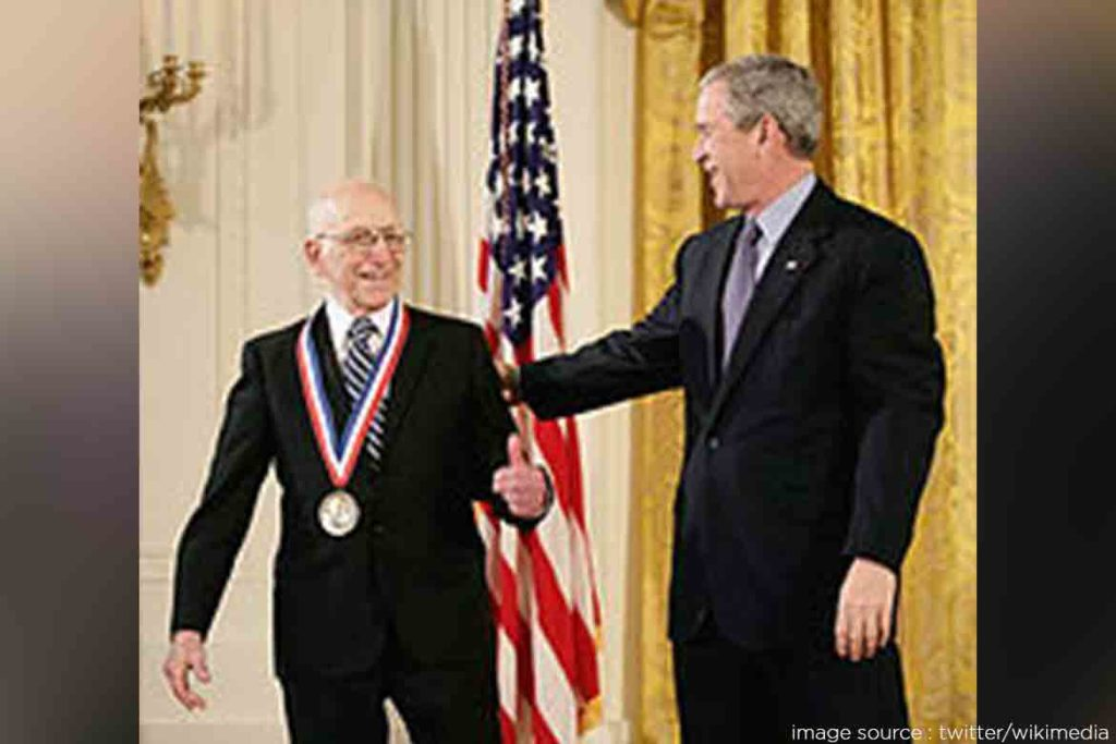 President George H.W. Bush awarded Moore with National Medal of Technology- TechMobi